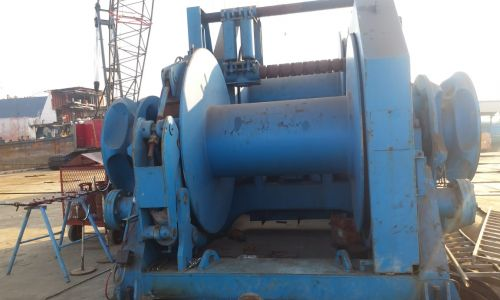 Anchor Handling/Towing Winch
